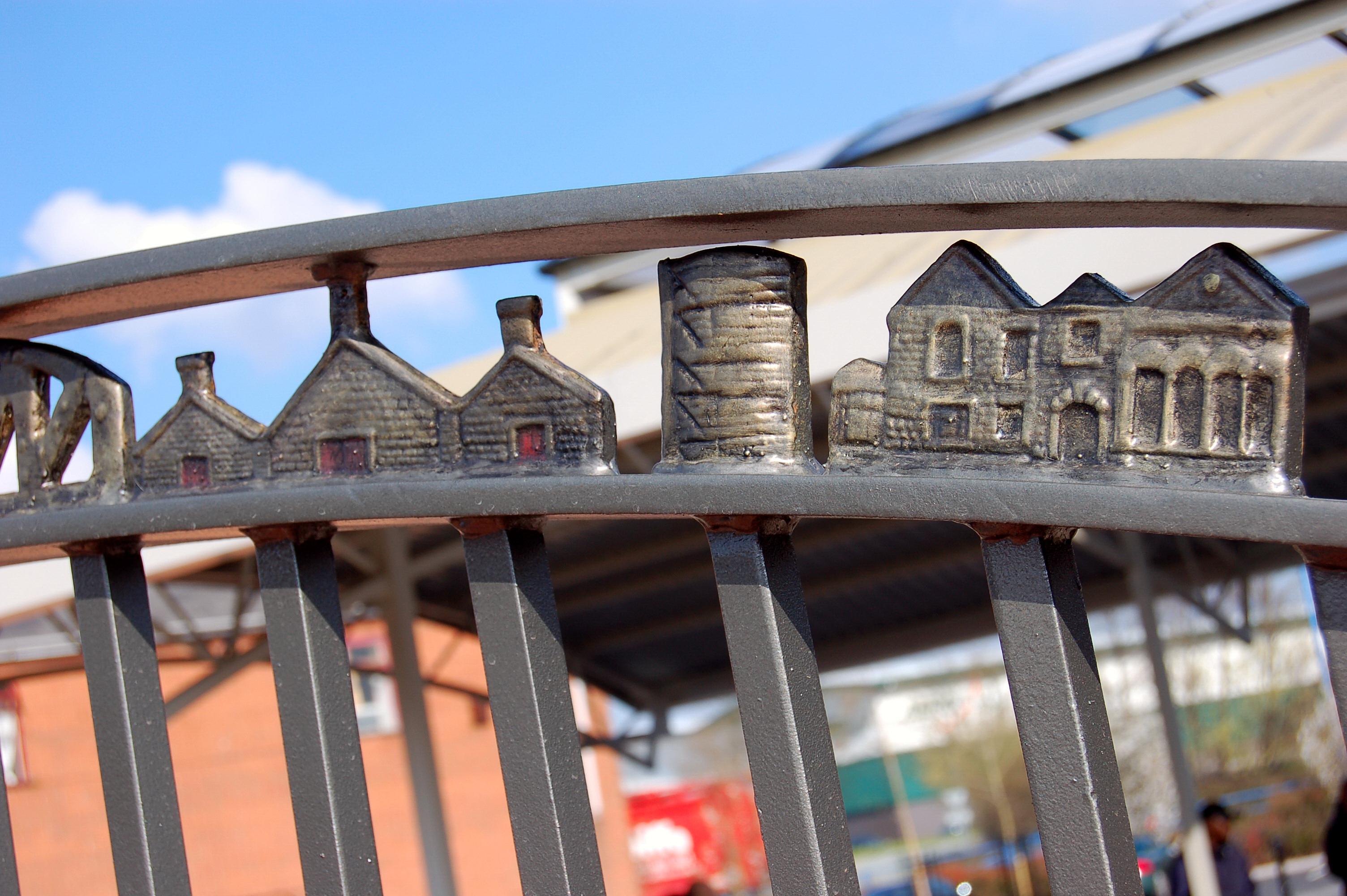 Great Bridge Vase and Markets (9)