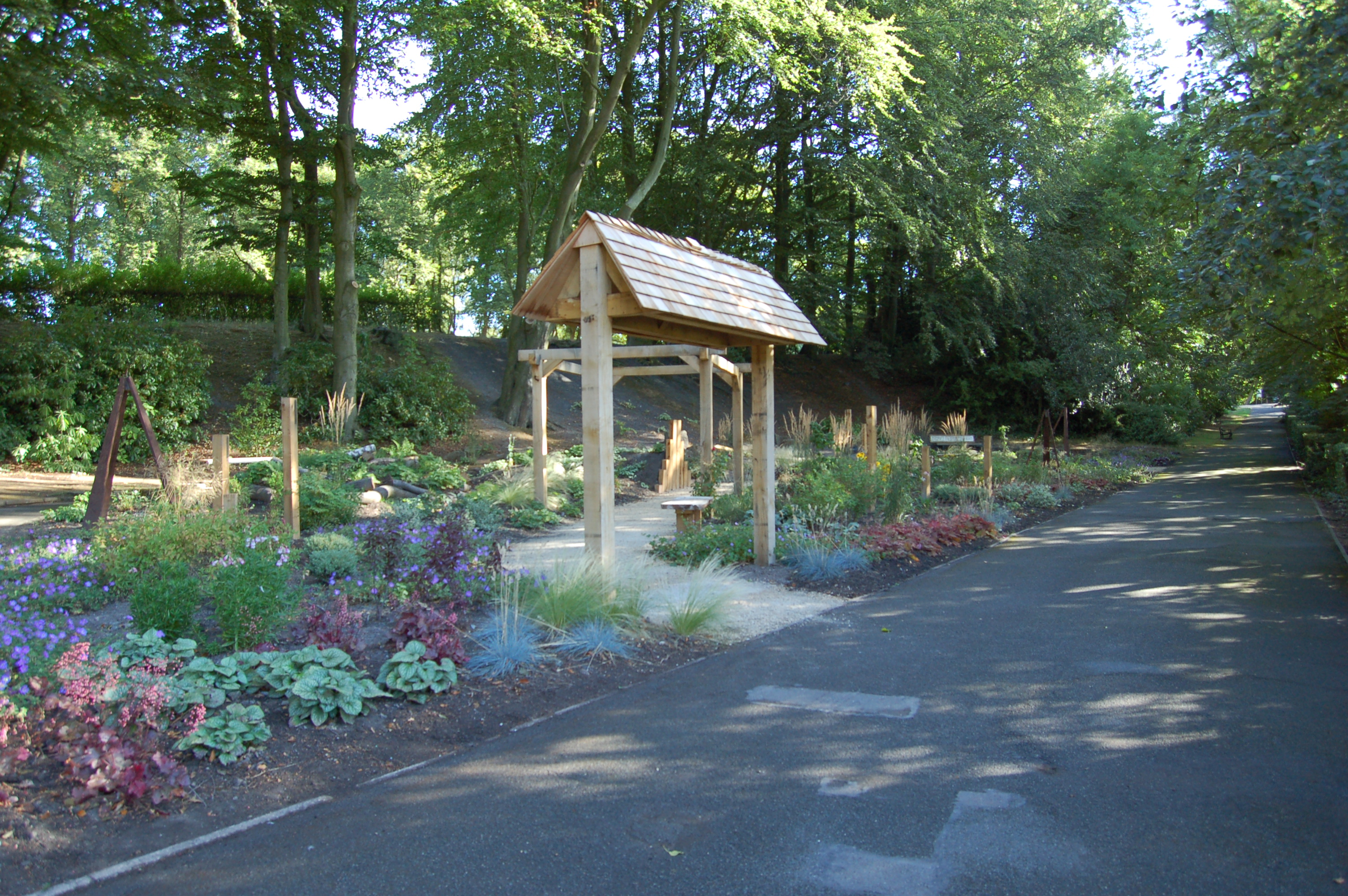 Willenhall Memorial Park - Benches (3)